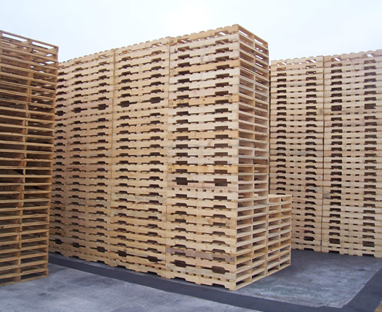 Tarimas de madera usadas las tarimas de plstico suelen - Tarimas de madera usadas ...